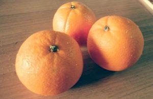 果物のオレンジ