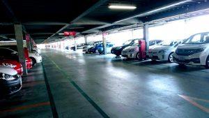 りんくうプレミアムの第1駐車場内。