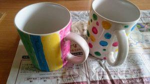美濃粘土の完成したぬりえカップ