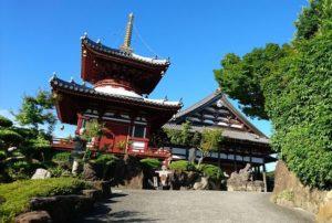長慶寺の本堂と開山堂