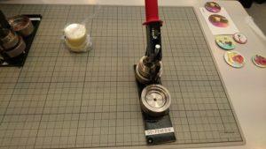 ワークショップ・缶バッジのプレス機械