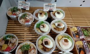 天津飯丼とロコモコ丼
